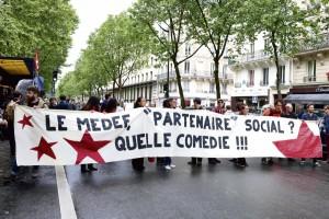 16 Juin 2016. Rassemblement devant Medef, Paris Credit photo : Nunzia Bennetot