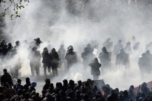 Les Amis du Monde Diplo - Pour une décroissance sécuritaire - 13 avril - 19h @ La Belle Etoile | Saint-Denis | Île-de-France | France